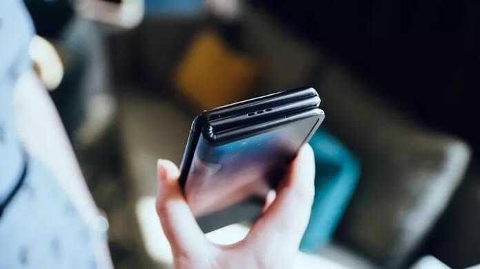 3 Kez Katlanan Katlanabilir Telefon Olur mu? TCL Bunu Başardı!