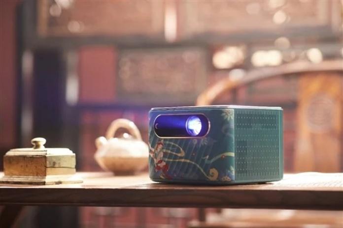 Lenovo-Smart-Projector-T500-5